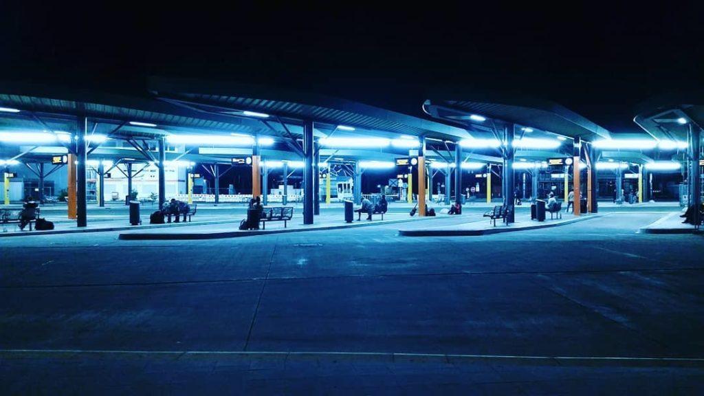 Zentraler Omnibusbahnhof Berlin bei nacht Juni 2020